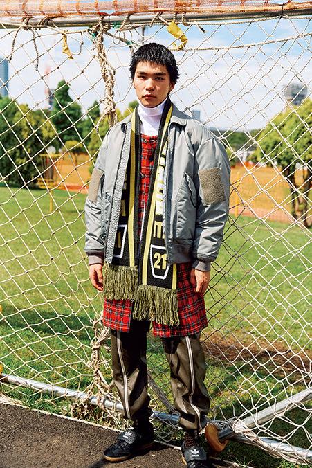736f0d2a1 Jacket / BEAMS Coat / AiE. Long Sleeve T-shirt / BEAMS Winter Scarf / BEAMS  Socks / BEAMS Pants / ROTOL Sneakers / adidas Originals
