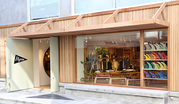 588c8aa5bb1bf8 The first Japanese flagship store of